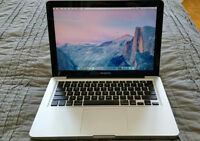 Macbook Pro 13' // 2.9GHz i7 // 8GB RAM // 750GB HDD