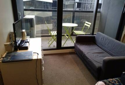 Apartment share. Melbourne CBD (1-Dec to 31-Jan ~184 Per week)