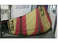 Kitesurfing kite- slingshot fuel 13m