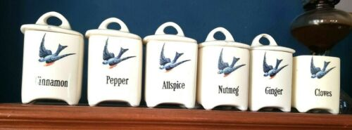 BLUEBIRD HULL POTTERY  6 SPICE CONTAINERS WITH 5 LIDS