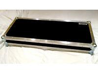 Swan Flight flightcase pedalboard (pedal board), power supplies, leads