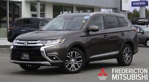 2016 Mitsubishi Outlander GT! AWD! 7-PASS! LEATHER! SUNROOF! ONL