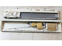Immaculate BROTHER KH830 Complete Knitting Machine, Ribber and table Package