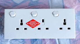 Electrical wall three socket switch, immaculate, works perfect, quick sale at only £5