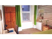 Large double room to rent (suitable for female)
