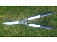 Speak and Jackson Hedge Shears with shock absorber stops