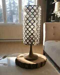 Table Lamp / Lampe de table