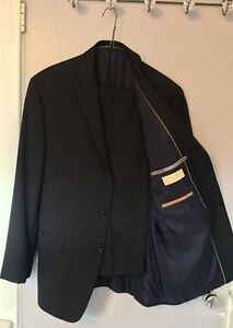 Men's Michael Kors Suit, Size 40R