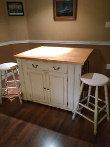 BERMEX SOLID BIRCH TABLE AND STOOLS