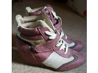 DP high top boots size 6