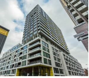 Condo Penthouse 3 1/2 Griffintown à Louer/For Rent