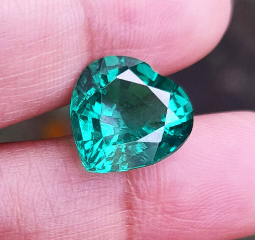 12x12 mm._5.50cts. HEART GREEN EMERALD Excellent Loose Created Gems AAA