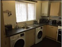 Bedsit, With Balcony, All Bills, £1,000 A Month. (Ready From 28/07/18)