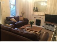 Immaculate recently decorated 1 bedroom flat on the highly desirable area of Blairhill