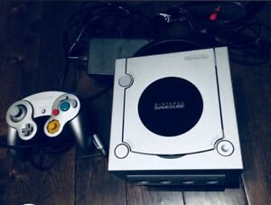 Silver GameCube   Silver Controller (Mint!)