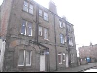 FOR RENT: Bright 1 bedroom flat, South Street, Musselburgh
