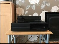 Xbox One 500GB With Games & Day One Edition controller