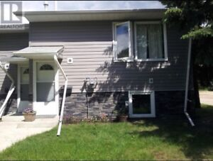 BRAND NEW RENOS-$1175-AVAILABLE--OCTOBER.1