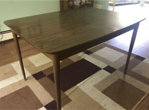 Mid Century Mod Dining Table, Solid Wood. Contemporary Style.