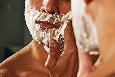 Bei der Rasur fängt die Bartpflege an. Bei Shampoos und Ölen hört sie auf.