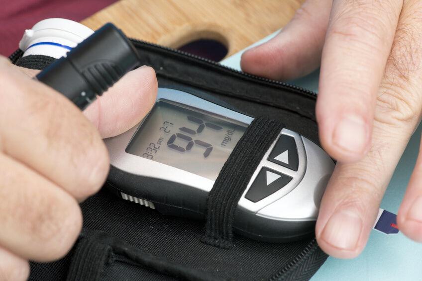 ACCU-CHEK Blutzuckerteststreifen - das ist wichtig für Ihre Urlaubsplanung