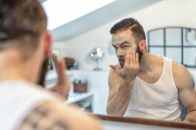 Mit einem Peeling rückst du abgestorbenen Hautzellen zu Leibe.