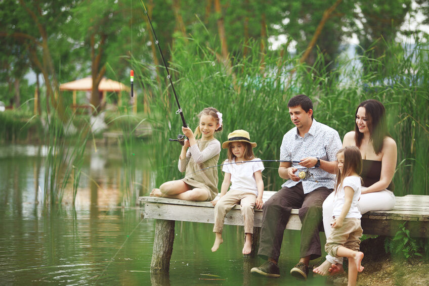 How to Choose a Feeder Fishing Rod for Girls