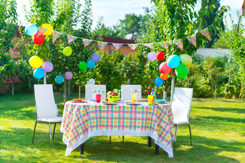 How to Decorate Your Garden for a Party