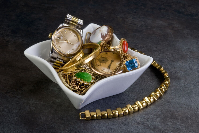 Antique Gold Jewellery Buying Guide