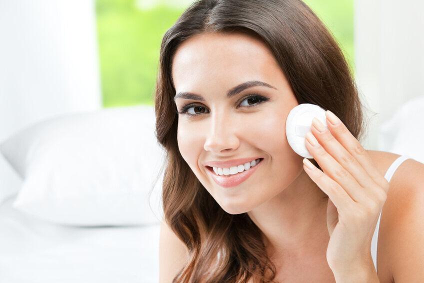 Your Guide to Buying Liz Earle Skin Tonic