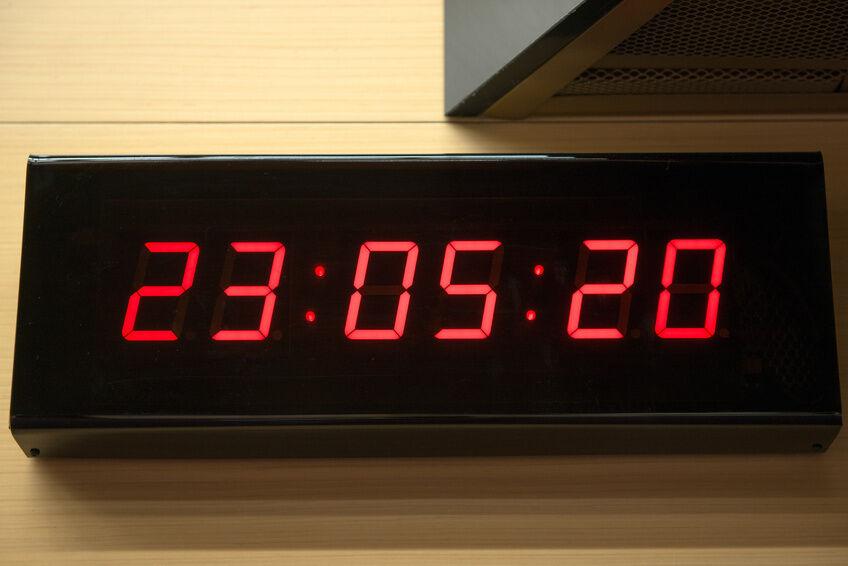 Digital-Wall-Clock-Buying-Guide-