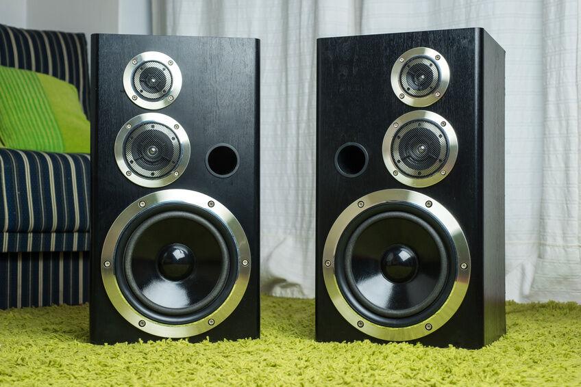 6 Factors to Consider When Buying Speakers