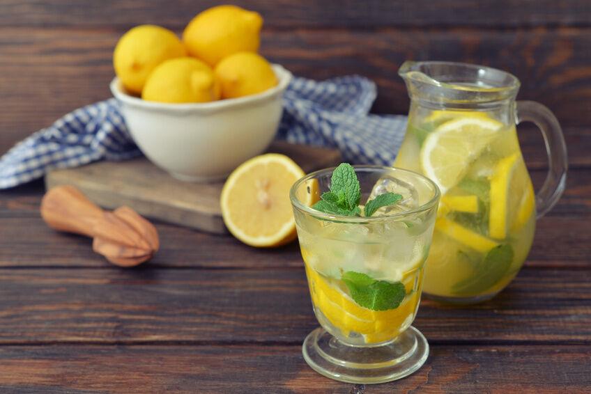 Bewährte Hausmittel mit Zitronen