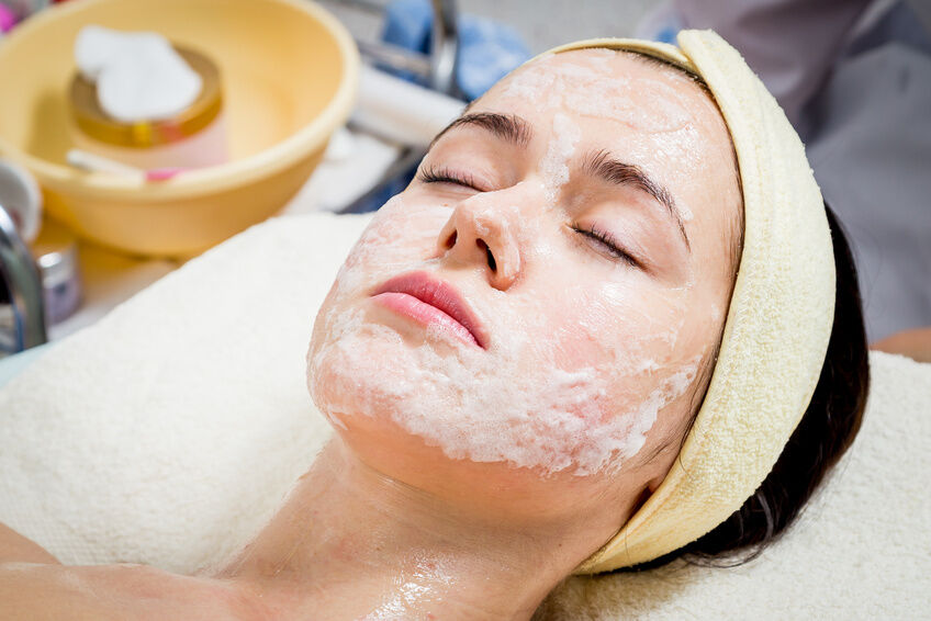 What Are the Benefits of Using Facial Peels?