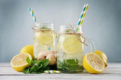 Sauer macht Lust auf mehr: Erfrische Dich den ganzen Sommer lang mit selbstgemachter Ingwer-Zitronen-Limo.