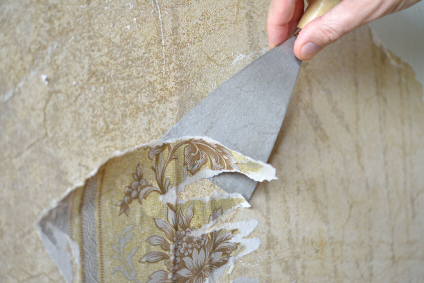 How to Peel Off Wallpaper Easily