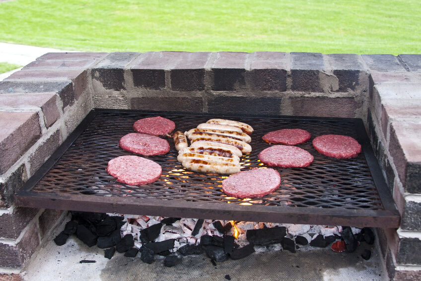 How to Build a Charcoal Grill out of Bricks