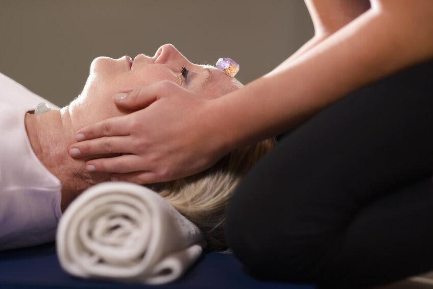 Die heilende Kraft der Amethyste: Welche Wirkung der Stein auf Körper und Geist haben soll