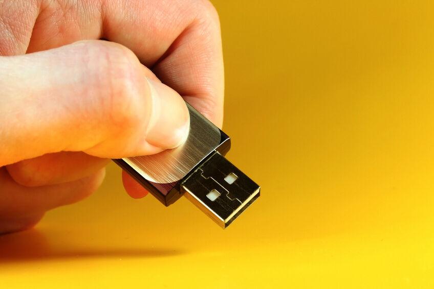 Mit welchen Massenspeichern ist der USB 2.0-Bus kompatibel?