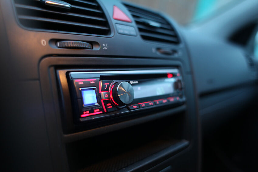 How to Remove a Ford Focus Stereo
