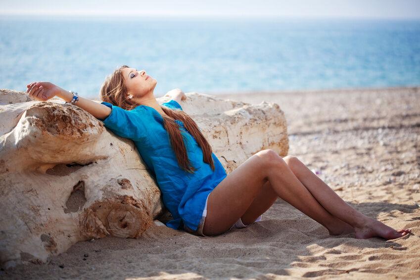 Chic am Strand: Perfekte Basics für den nächsten Urlaub