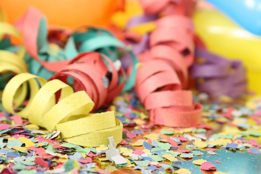 decorating for someone else when you throw a surprise party the guest of honour should be the one in the spotlight therefore the theme of the party and - Someone Decorating For A Party