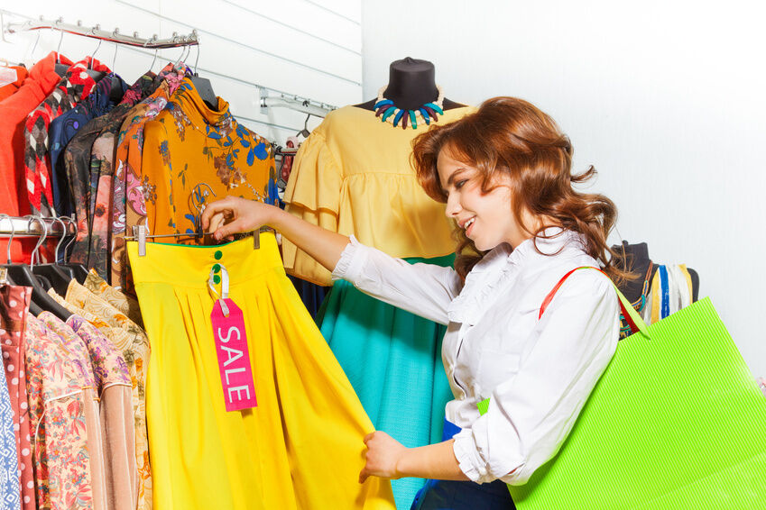A Buyer's Guide to Women's Lemon Clothing for the Summer