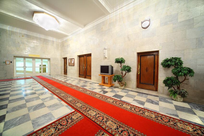 The Best Methods for Caring for a Carpet Runner