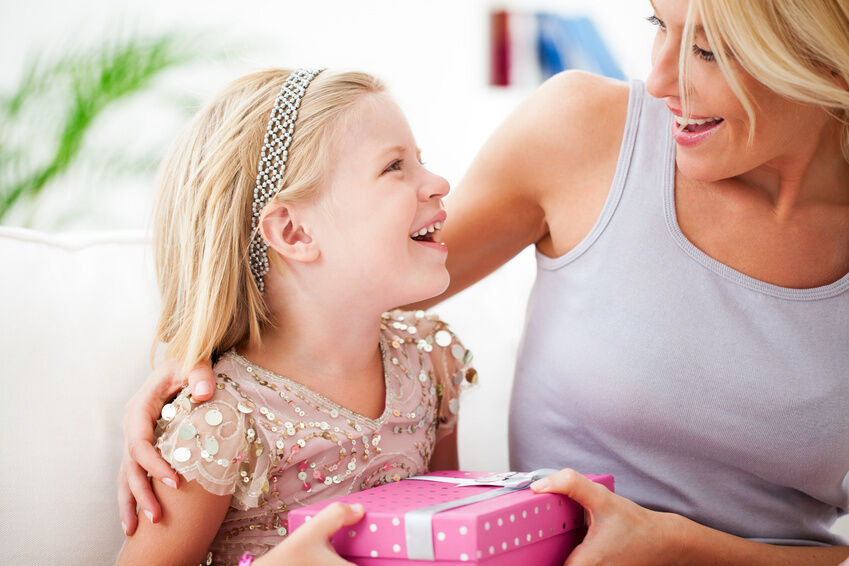 Top 3 Gifts to Buy for Your Daughter