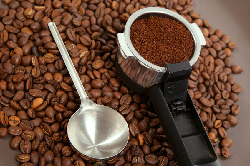 Coffee Machines With Grinders: Because Fresh Ground Coffee ...