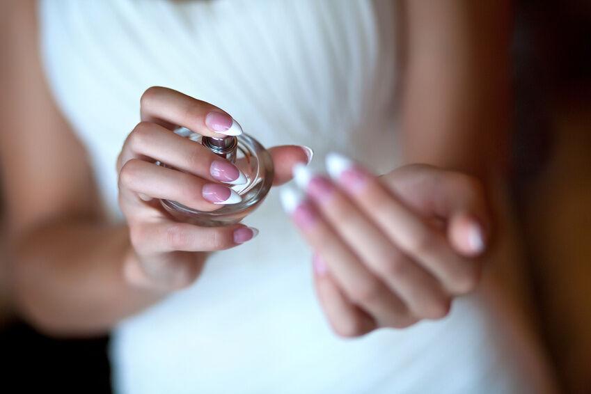 Wie unterscheiden sich Eau de Parfum, Eau de Toilette und Parfum voneinander?