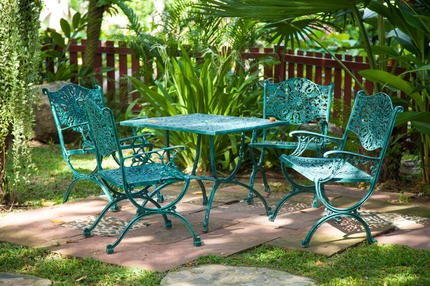 What to Consider When Buying Metal Garden Chairs