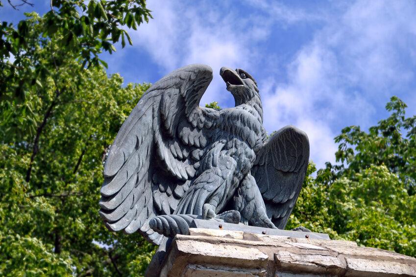 Die kunsthistorische Bedeutung von Adler-Skulpturen in der Neuzeit