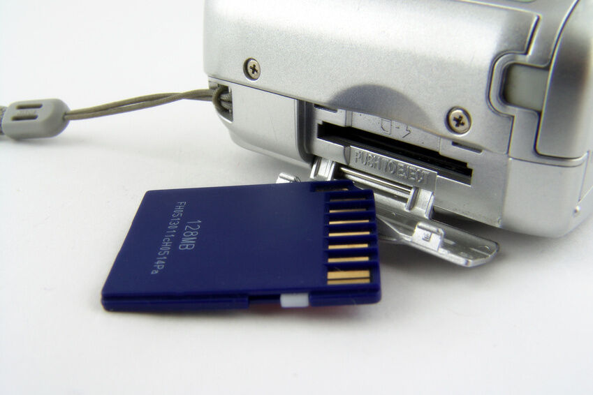 How to Recover Photos From a Compact Flash Card